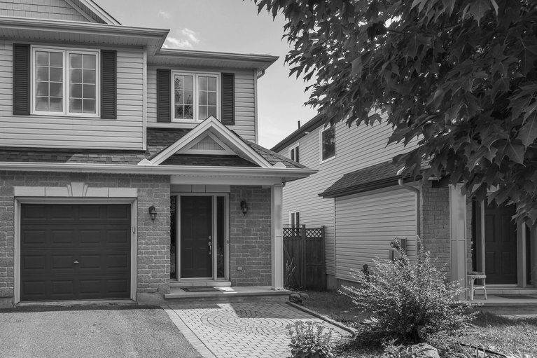 351 Riversedge Crescent